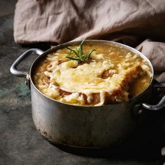 شوربة البصل الفرنسية مثل المطاعم