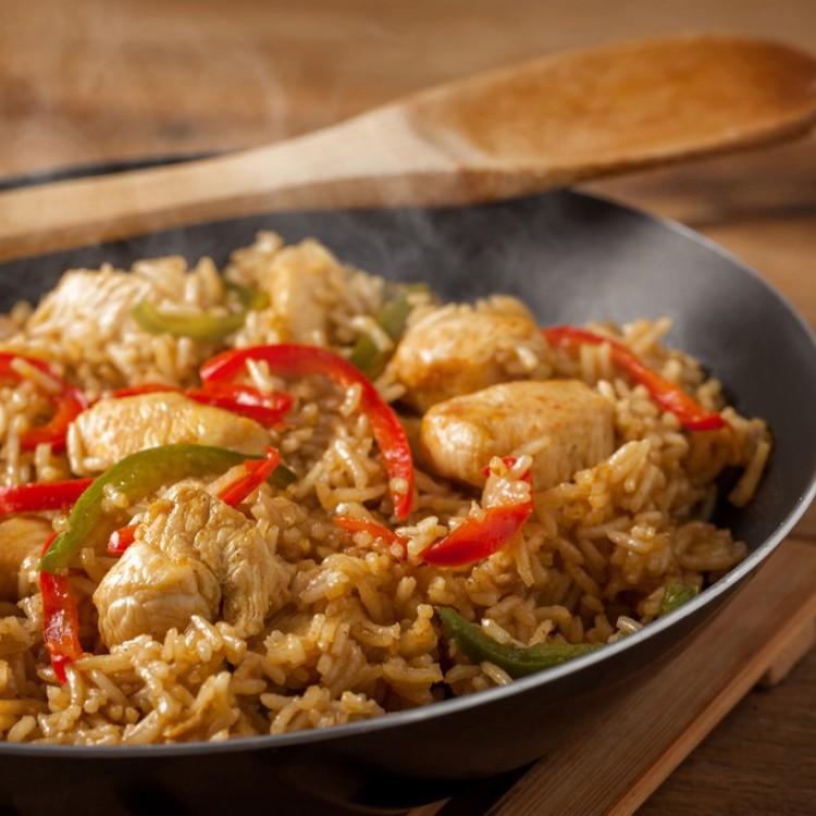 الأرز البني بالدجاج للرجيم