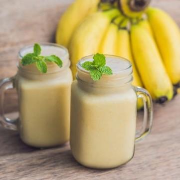 سموذي الموز بالزبادي
