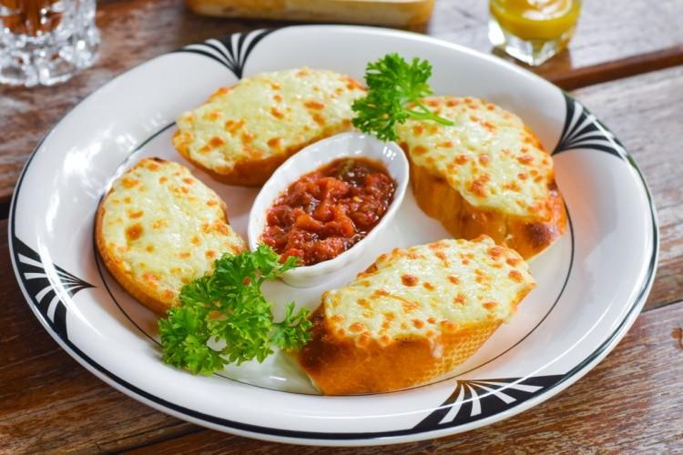 خبز الثوم بالجبن