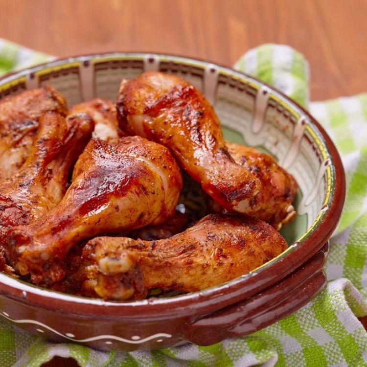 صينية أفخاذ الدجاج بالباربكيو
