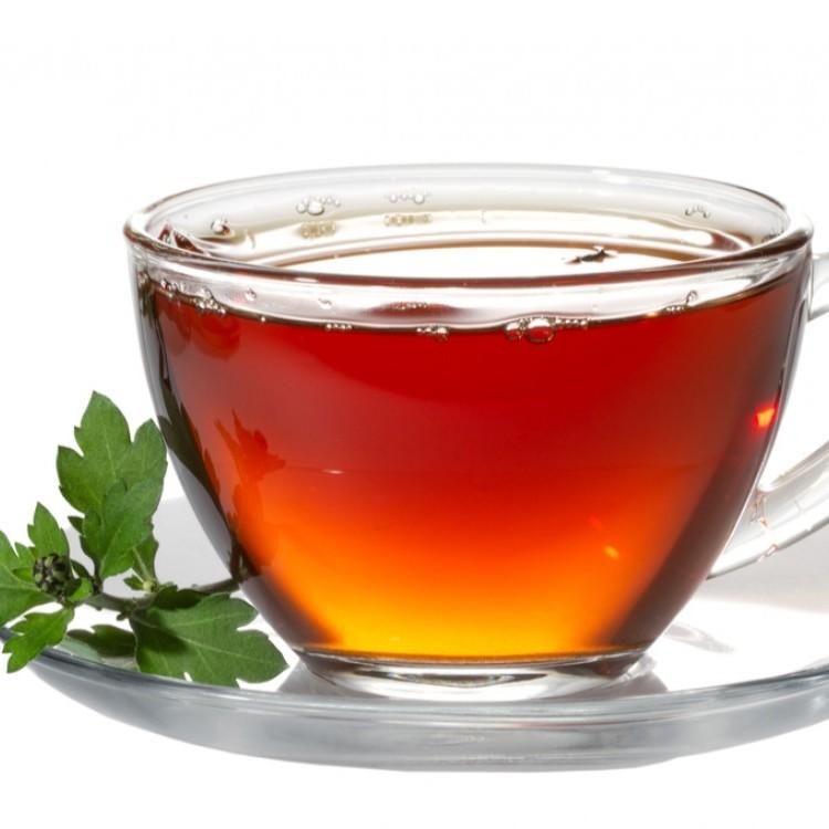 الشاي الساخن يبرد عليك درجات الحرارة العالية في الصيف