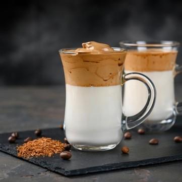 قهوة الدلجونا المثلجة بالفيديو