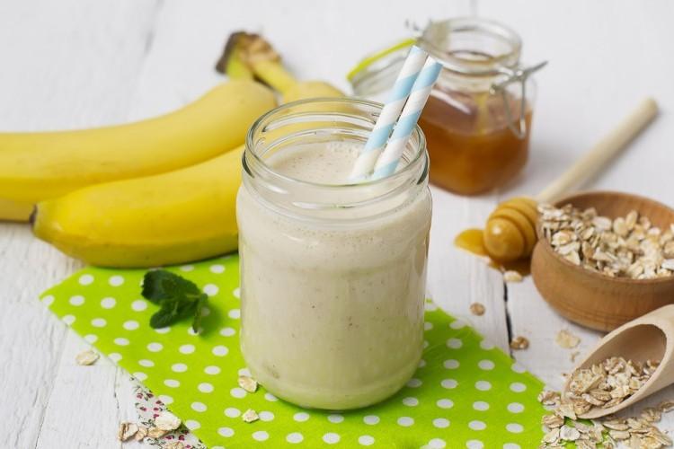 سموثي الموز بالعسل