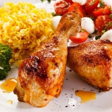 صينية دجاج محمر ومتبل باللبن الزبادي