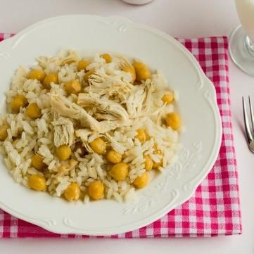أرز بالدجاج والحمص