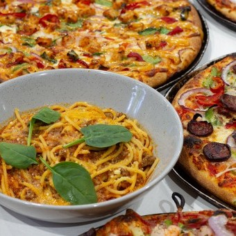 باستا بصوص البيتزا