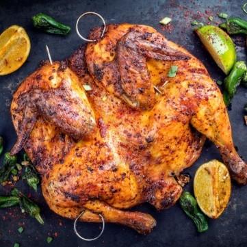 دجاج مشوي بالباربيكيو والبهارات