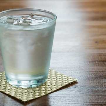 تعرفي على أضرار شرب الماء البارد