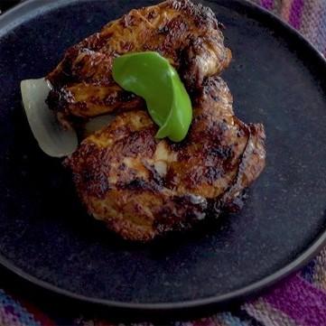 دجاج مشوي بصلصة الفلفل الأحمر بالفيديو