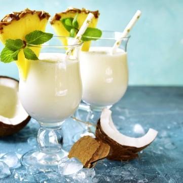 عصير الأناناس مع جوز الهند