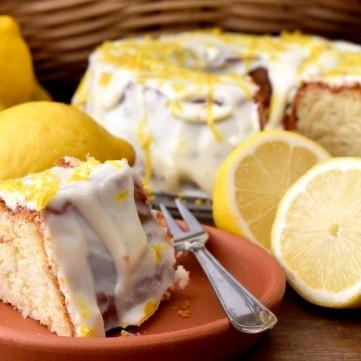 كيك اسفنجي بنكهة الليمون