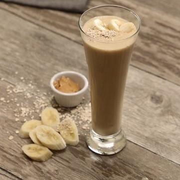 سموذي الموز بزبدة الفول السوداني بالفيديو