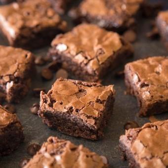 براونيز الشوكولاتة سهل وسريع