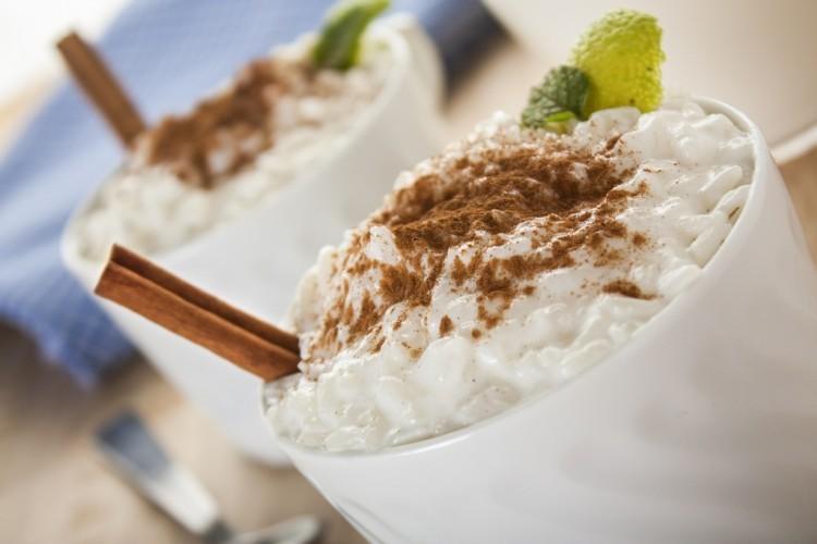 الأرز بالحليب والقرفة