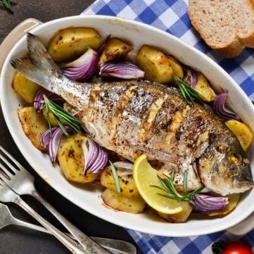 سمك مشوي بالثوم للرجيم
