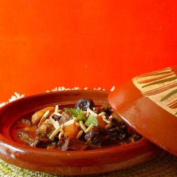 طاجن اللحم والبرقوق من المطبخ المغربي