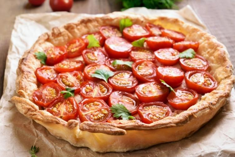 طريقة عمل فطيرة الطماطم , فطيرة الطماطم بالبف باستري 2021 79567d33b61de869f7fa