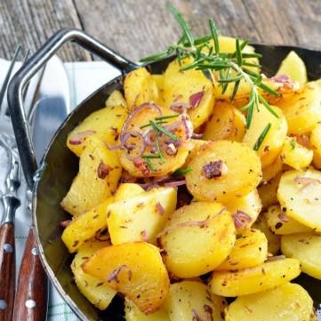 بطاطس مقلية مع البصل