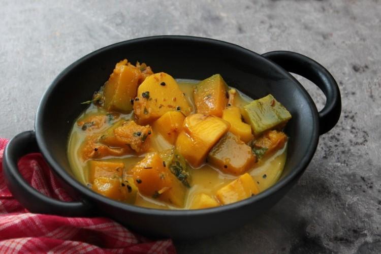 يخنة البطاطس بالكاري للنباتيين
