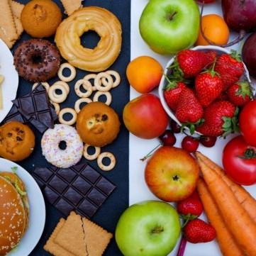 4 أطعمة تزيد من آلام الدورة الشهرية