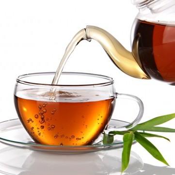 خلال شرب الشاي .. تجنبي هذه العادة القاتلة