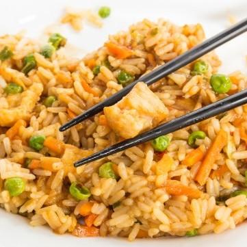 الأرز الصيني بالخضار لرجيم مثالي