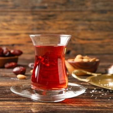 طرق للتخلص من إصفرار أكواب الشاي