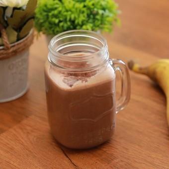 سموذي الموز بالشوكولاتة وزبدة الفول السوداني بالفيديو