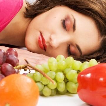 5 أنواع من الأطعمة تساعدك على النوم العميق