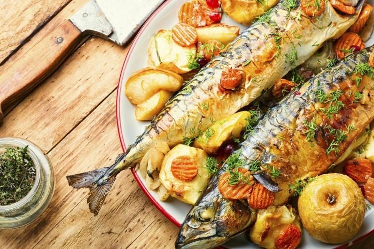 سمكة محشية بالأعشاب