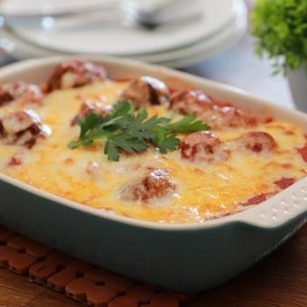 مكرونة مع كرات اللحم والجبن بالفرن بالفيديو