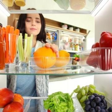 نصائح لحفظ الطعام في الثلَّاجة بعيدًا من الملوثات