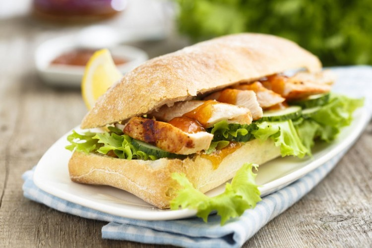 ساندويش دجاج مسحب
