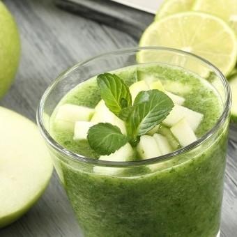 عصير الليمون بالنعنع والتفاح الأخضر