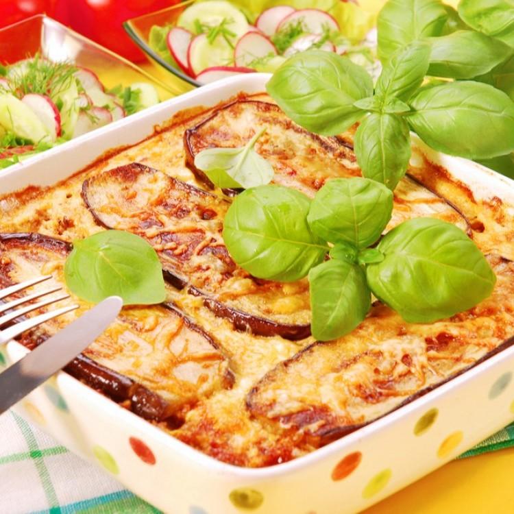 صينية بطاطس وباذنجان بالفرن