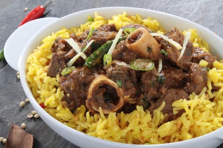 أرز بالكاري ولحم الخروف