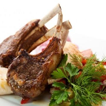 لحم ريش الخروف المشوية