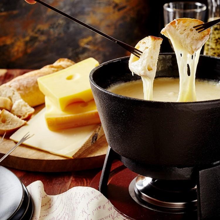 الجبن الفرنسي الفوندو التقليدي