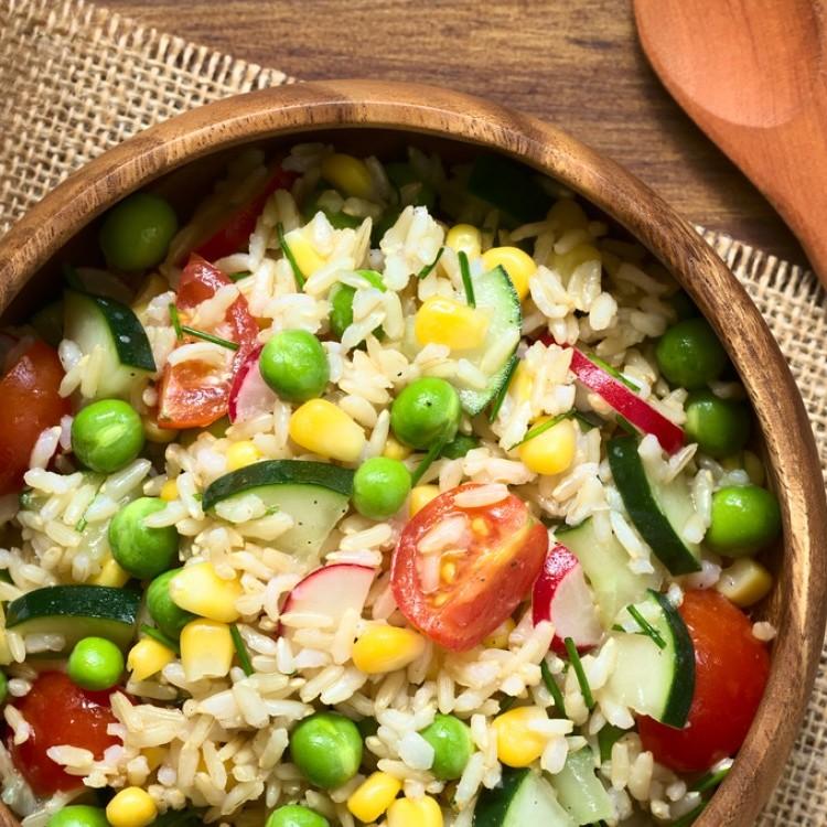 سلطة الخضار بالأرز