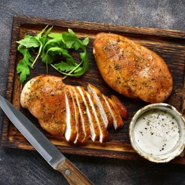 دجاج مشوي بتتبيلة اللبن الزبادي والأعشاب للرجيم