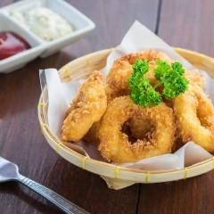 حلقات البصل المقلية مثل المطاعم