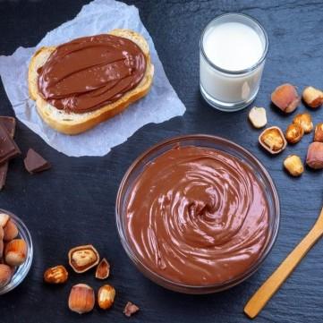 شوكولاتة بالبندق للدهن