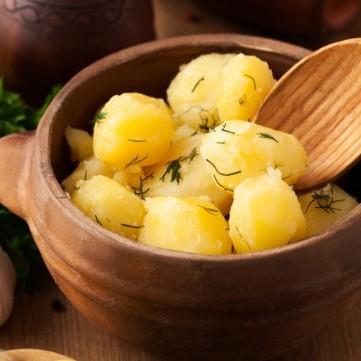 سلطة البطاطس المسلوقة بالشبت للسحور