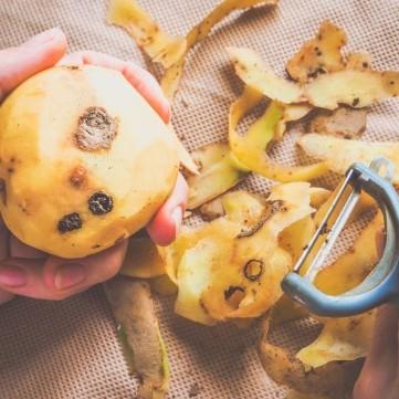 احذري .. درنات البطاطس تحتوي على سم