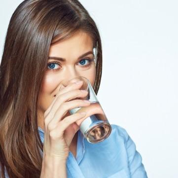 مخاطر كبيرة لنقص شرب الماء برمضان