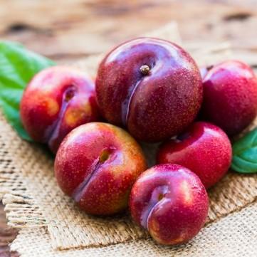 تناول 3 حبات خوخ يومياً يحدُّ من خطر الإصابة بسرطان الثدي