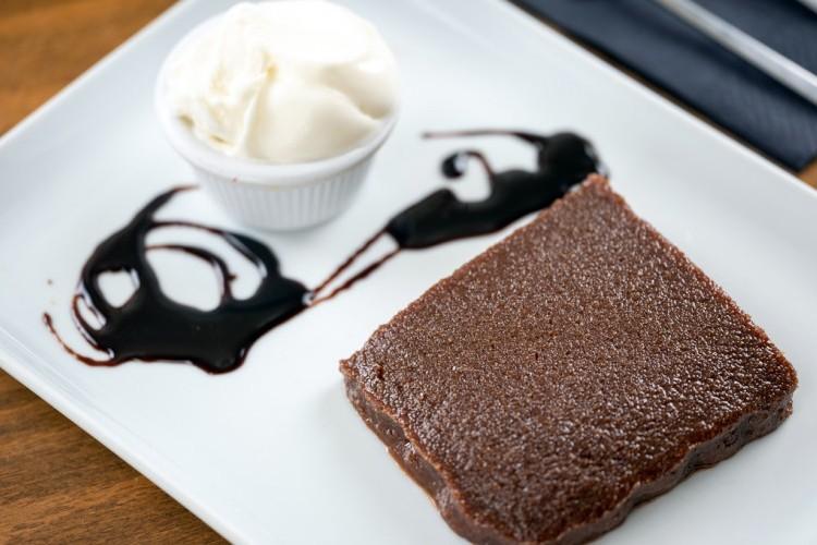صفوف بالشوكولاتة