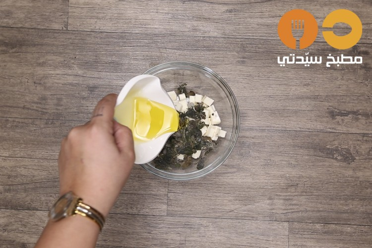 طريقة عمل فطائر الجبن بالزعتر الأخضر , فطائر الجبن بالزعتر الأخضر 2021 adff2e20661905d654d8