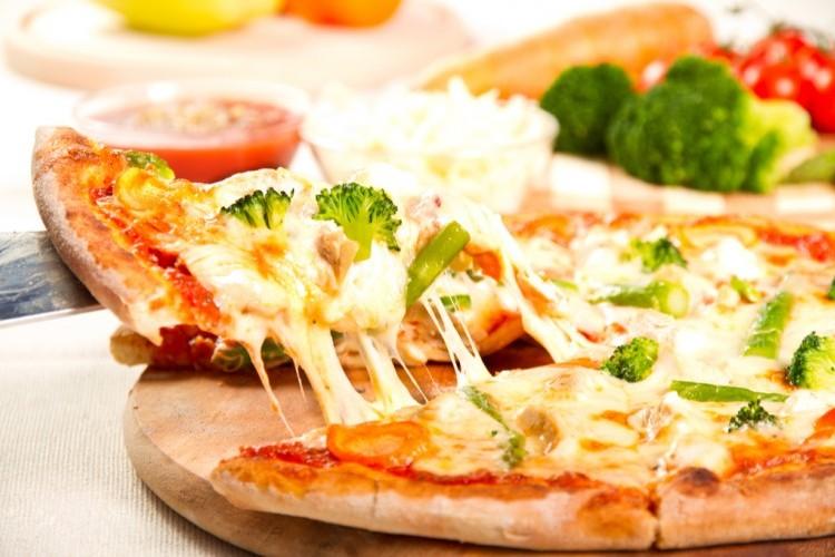 بيتزا البروكلي